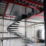 پله گرد پله اسپیرال سازه فرم دار .