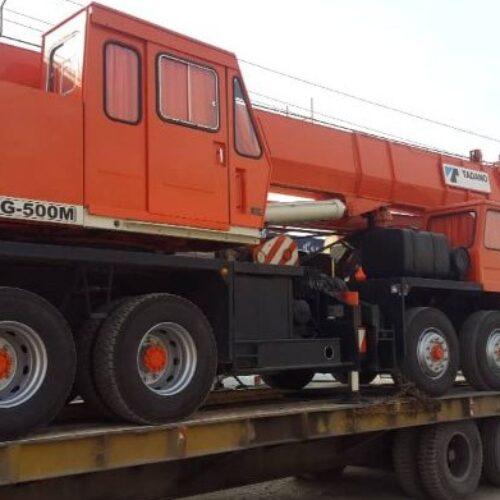 حمل و نقل و جابجایی بار ترافیکی و سنگین مجهز به کمرشکن های 2 محور 3 محور ، 4 محور و طارق 11 محور